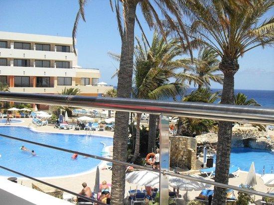 IBEROSTAR Playa Gaviotas Park : pool view from sisters bar terrace