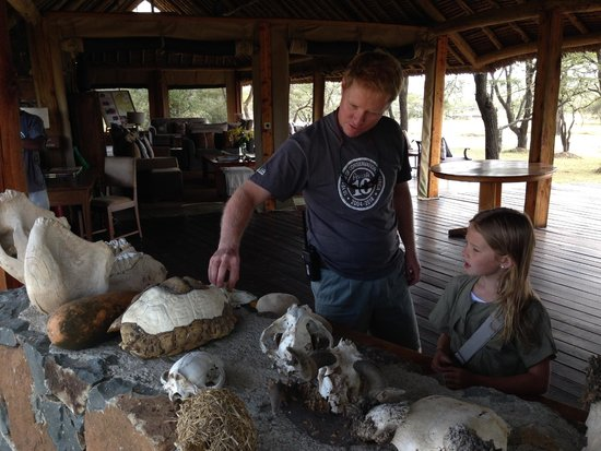 Naboisho Camp, Asilia Africa : Roelof shares his knowledge