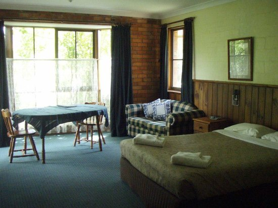 Corryong Country Inn : Inside a room
