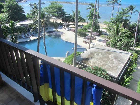 Fenix Beach Resort Samui: sea and pool view