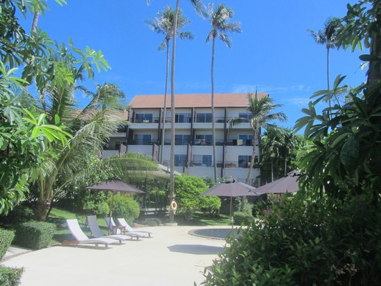 Mercure Koh Samui Beach Resort : hotel from its territory