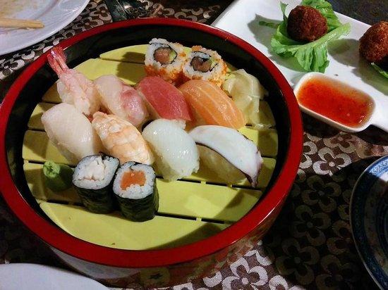 Jin Feng: sushi set da 13 euro