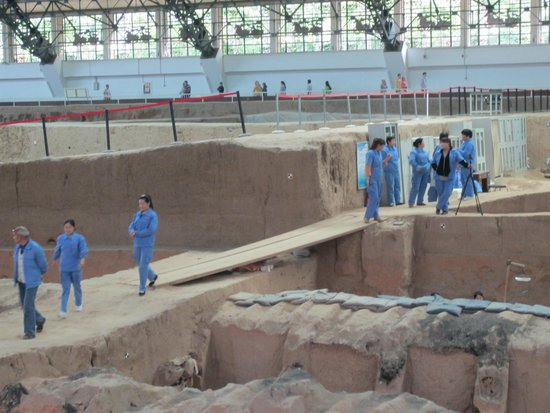 Mausolée de l'empereur Qin : Ongoing Excavation