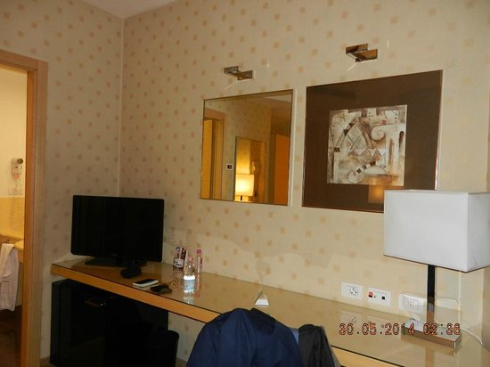 Holiday Inn Milan - Garibaldi Station: View of room