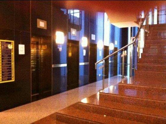 Gran Hotel Bali - Grupo Bali : Algunos de los 18 ascensores