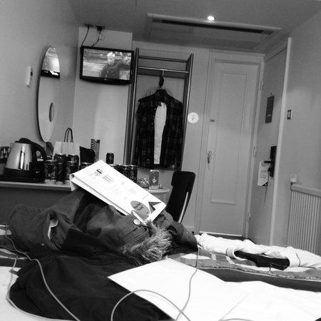 Corus Hotel Hyde Park London: Room