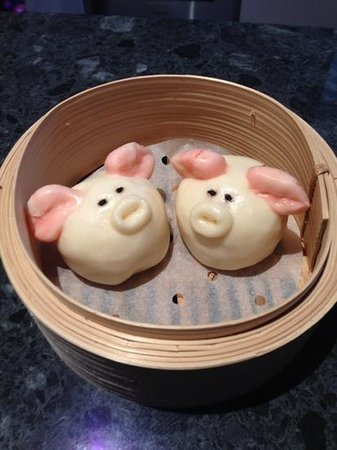 t chow: Coconut egg custard-filled 'piggy' buns