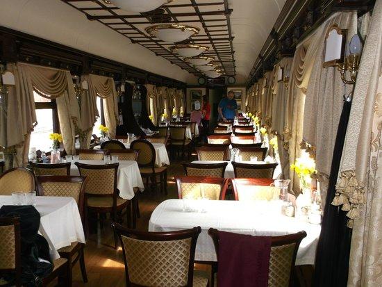 Trans-Siberian Railway - Day Trips: Zarengold restaurant