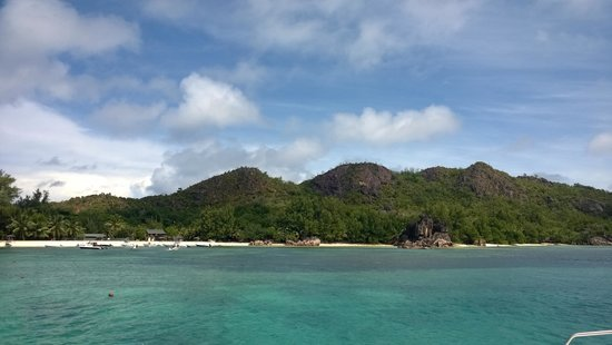 Berjaya Beau Vallon Bay Resort & Casino - Seychelles: view of Pralin Island from the Catamaran