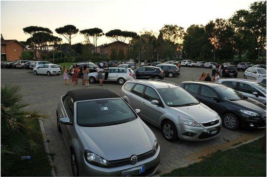 Allegroitalia Pisa Tower Plaza : Vista parcheggio
