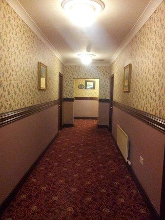 Sheldon Park Hotel: Corridor
