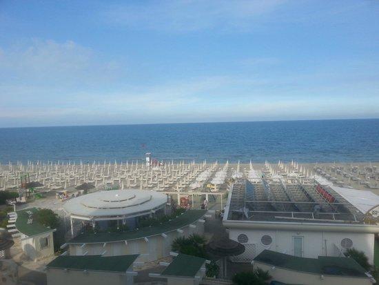 Hotel Negresco: Vista mare dalla ns camera