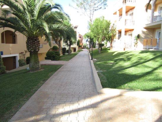 IBEROSTAR Club Cala Barca: allée vers notre chambre