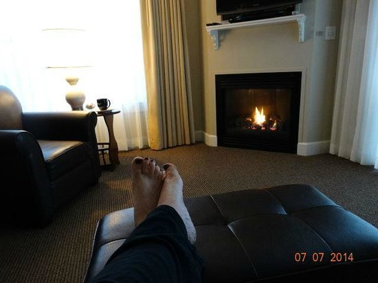 Shearwater Inn : Relaxing was so easy to do, in this comfy room!