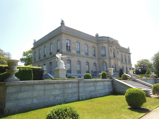 The Elms is situated in a very large park with lots of gardens and specimen trees