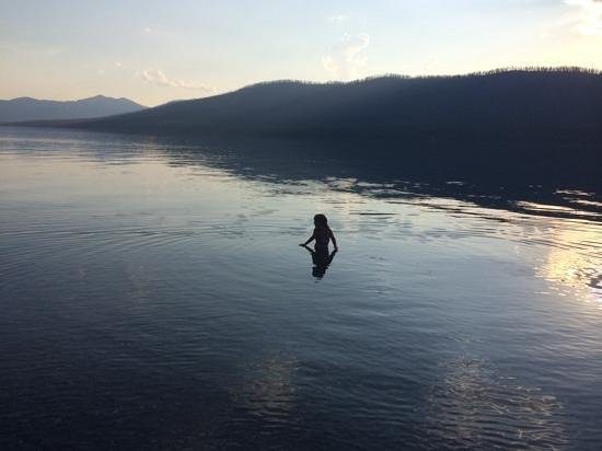 Lake McDonald Lodge : not too cold for a quick dip
