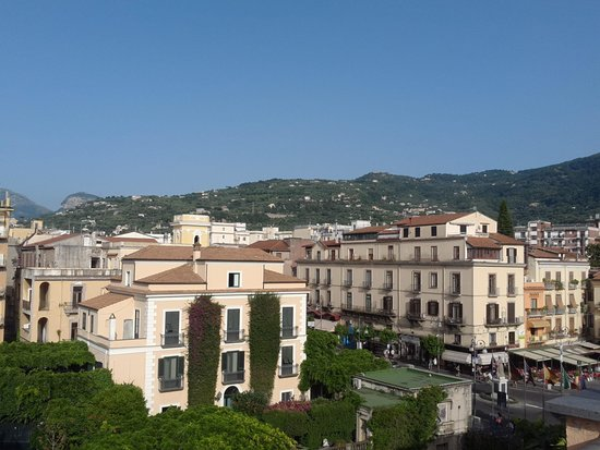 Hotel Palazzo Guardati : view of Sorrento from roof