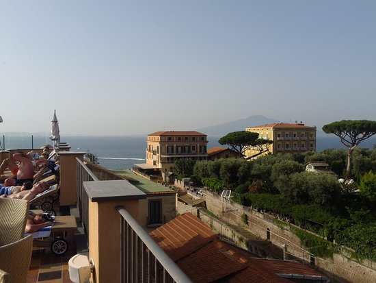 Hotel Palazzo Guardati : sea view from roof