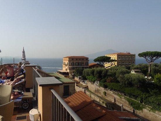 Hotel Palazzo Guardati: sea view from roof