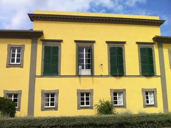 Villa of San Martino: Facciata della villa dei mulini.