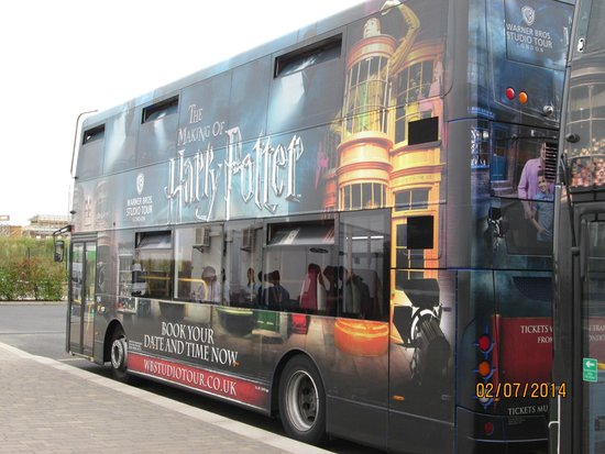 Golden Tours : Harry Potter themed double decker