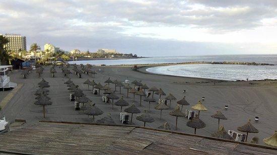 H10 Las Palmeras: playa cerca del hotel