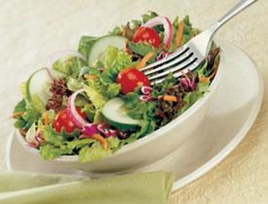 Best Western Plus Rockville Hotel & Suites: Fresh lettuce, tomatoes and yummy dressings