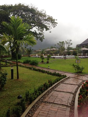 Villa Vang Vieng Riverside: Stunning views as you walk in...