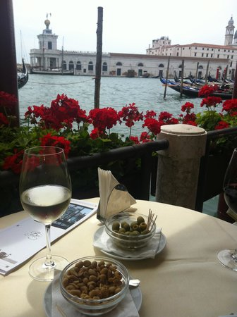Hotel Monaco & Grand Canal: Best Italian dishes and view from restaurant at Hotel
