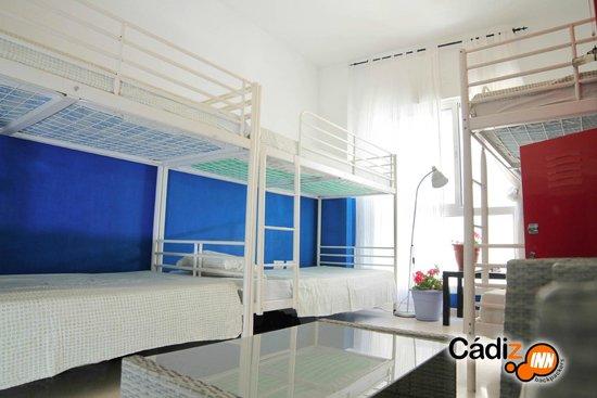 Cadiz Inn Backpackers: Dorm