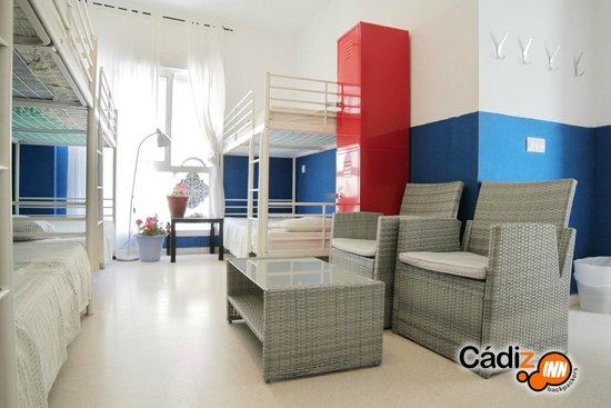 Cadiz Inn Backpackers: Dorm´n´Living