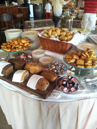 Fota Island Resort : Everything you could ask for at breakfast