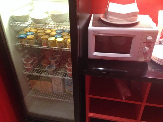Club Med Bali : Microwave and jars of baby food, plus soups and mil in the Baby Corner