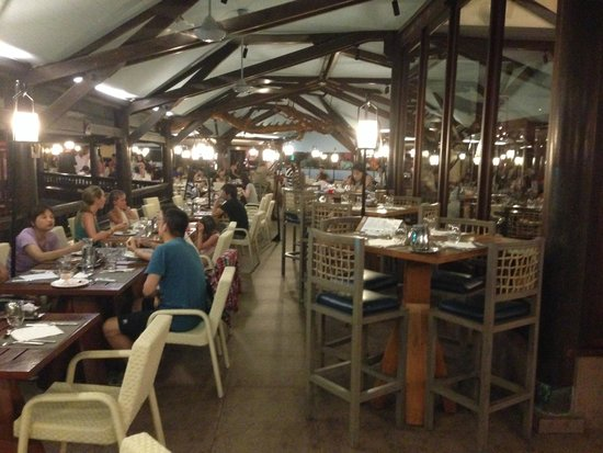 Club Med Bali : Outdoor dining section at the main restaurant