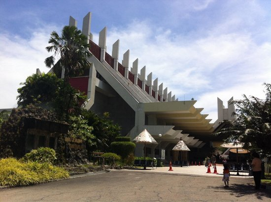 Sabah State Museum: The main building