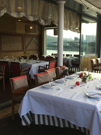 Restaurante Barceloneta: The large upper deck outdoor dining area for special parties