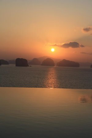 Six Senses Yao Noi: Sunrise from the Hilltop Retreat