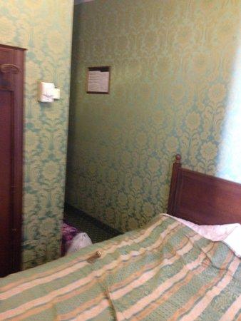 Hotel Bridge: all the room we needed