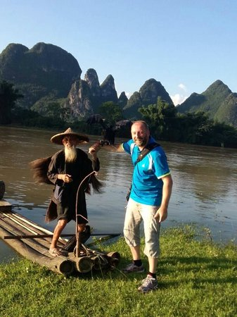 Yangshuo Private Tour-Day Tour : Terje with the fishing man at Xingping.