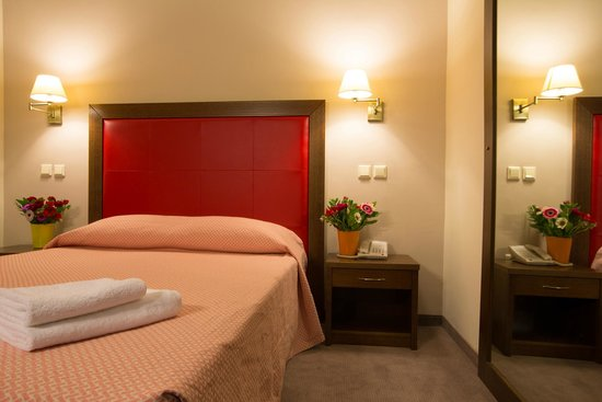 Marina Hotel Athens: Deluxe double room