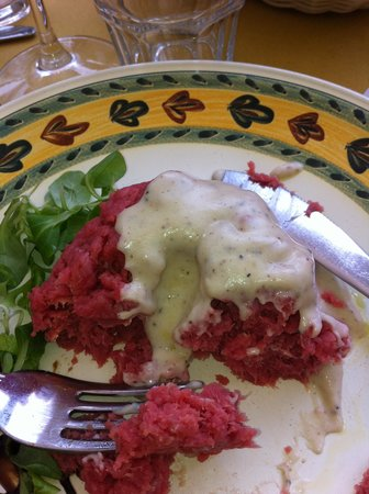 Aldente Trattoria: Raw meat with truffle cream