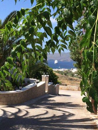 Orizontes Studios Milos: Vialletto per arrivare alla struttura