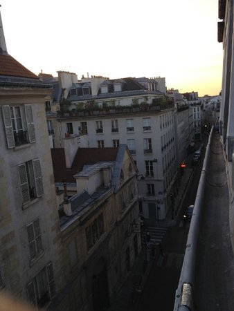 Hotel Saint Paul Rive Gauche: Fourth Floor View from Room's Window