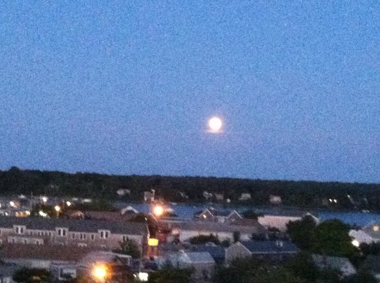 Mansion House: Super Moon over the harbor
