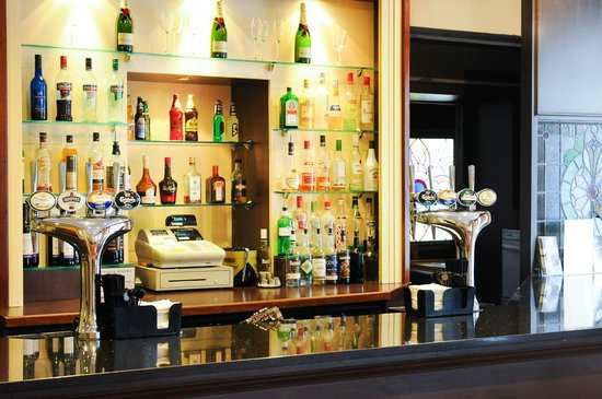 The Durley Dean Hotel: Bar