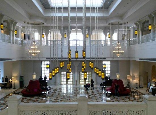 ITC Rajputana, Jaipur: The main lobby..