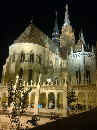 Hotel Castle Garden: nur ein paar Minuten zur Matthiaskirche