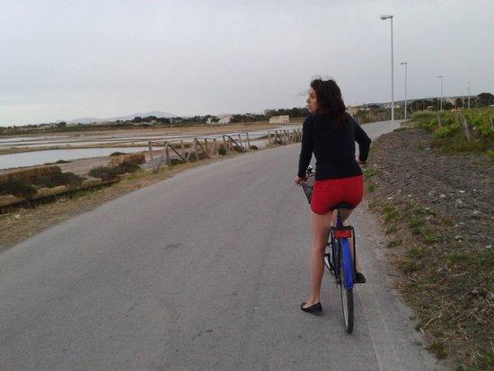 Hotel Isola di Mozia: Biking