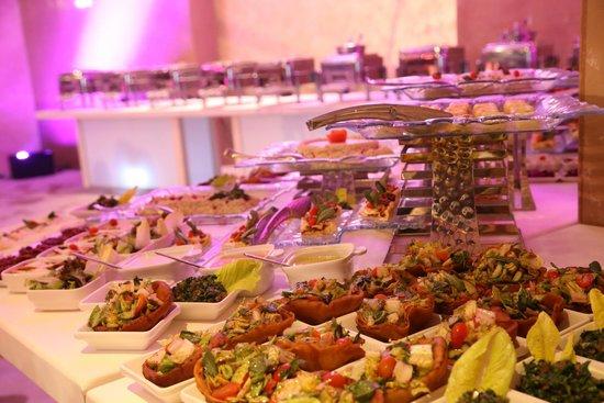 Lancaster Plaza Beirut: Buffet breakfast