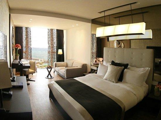 Lancaster Plaza Beirut: Charming Room